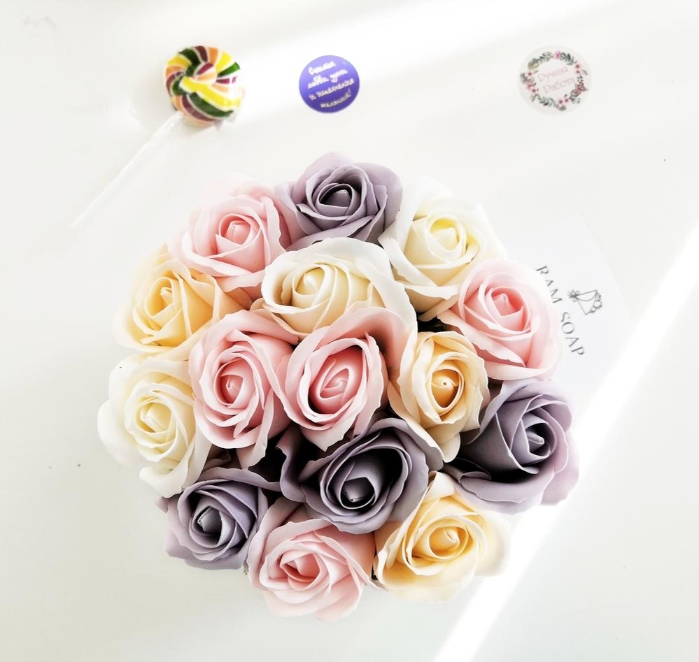тренд, цветы в коробке, мыло, композиции из мыла