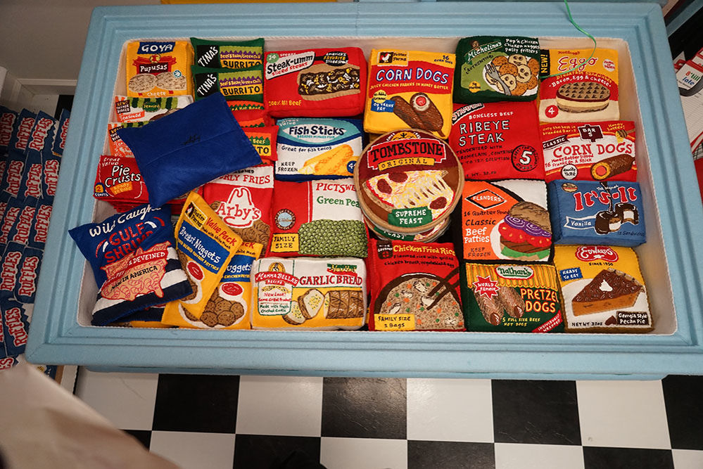Lucy Sparrow's Supermarket: Felt Products & No GM Foods, фото № 10