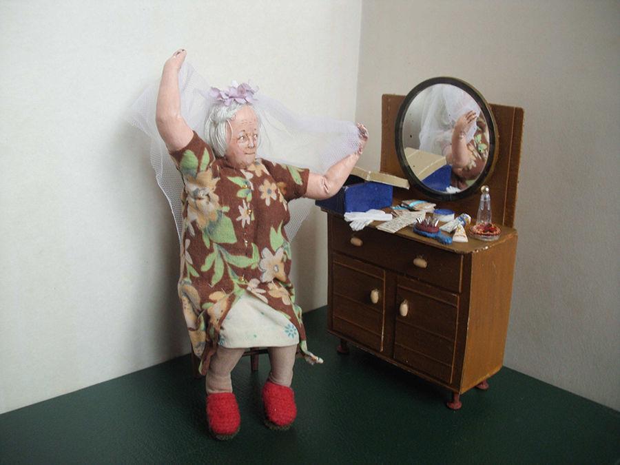 Дорогие мои старики: кукольные миниатюры, от которых слезы наворачиваются на глаза