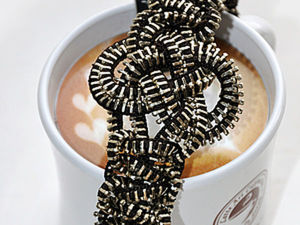 DIY Steampunk Bracelet of an Ordinary Zipper. Livemaster - handmade