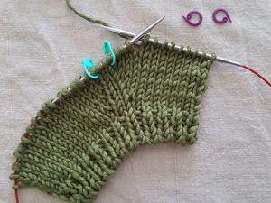 Изучаем 3 способа вязания прибавок без дырочек. Ярмарка Мастеров - ручная работа, handmade.