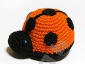 Вяжем крючком оранжевую божью коровку. Ярмарка Мастеров - ручная работа, handmade.