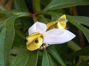 Пчелка- канзаши (Цумами-кандзаси). Ярмарка Мастеров - ручная работа, handmade.