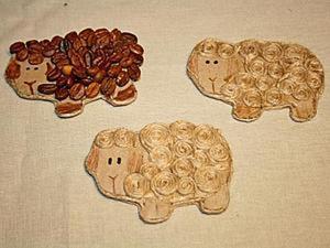 Делаем стильные новогодние магнитики в виде овечек. Ярмарка Мастеров - ручная работа, handmade.