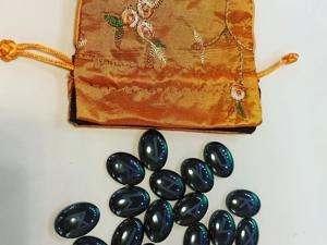 Для Лианы уезжают завтра руны из гематита в новом шелковом мешочке. Ярмарка Мастеров - ручная работа, handmade.