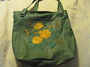 """Кожаная сумка с авторской вышивкой """"Букет чайных роз"""". Ярмарка Мастеров - ручная работа, handmade."""