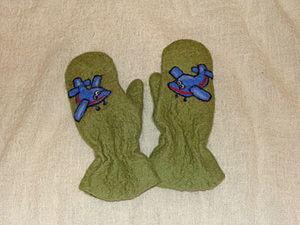 """Детские валянные варежки """"Самолетики"""". Ярмарка Мастеров - ручная работа, handmade."""