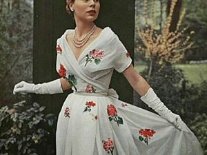 A Fashion-Tale from Christian Dior. Brilliant Outfits of the 50's. Livemaster - handmade
