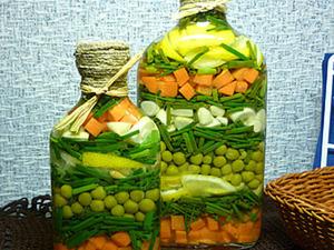 Как сделать «Бутылочку с овощами» своими руками для декора интерьера. Ярмарка Мастеров - ручная работа, handmade.