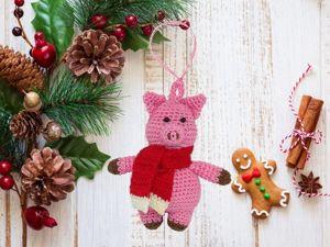 Вяжем крючком ёлочную игрушку «Свинка». Ярмарка Мастеров - ручная работа, handmade.