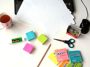 Мастер-класс. Новогодние украшение для офиса из стикеров.. Ярмарка Мастеров - ручная работа, handmade.