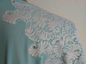 Вариант обновления одежды: декорируем кружевом трикотажную блузку. Ярмарка Мастеров - ручная работа, handmade.