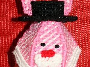 Вышивка по пластиковой канве «Зайка-копилка». Ярмарка Мастеров - ручная работа, handmade.
