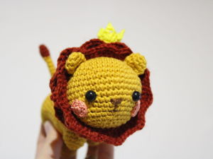 Crocheting a Cute Lion. Livemaster - handmade