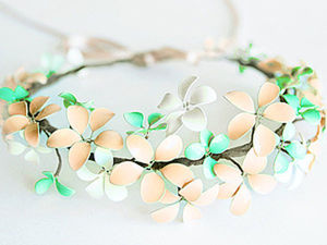 A DIY Spring Flowers Wreath, or the Second Life of Nail Polish. Livemaster - handmade