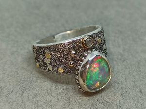 Видео кольца с эфиопским опалом и алмазом. Ярмарка Мастеров - ручная работа, handmade.
