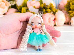 Брошь куколка Энни, подарок любимой, нежная брошь подарок дочке. Ярмарка Мастеров - ручная работа, handmade.