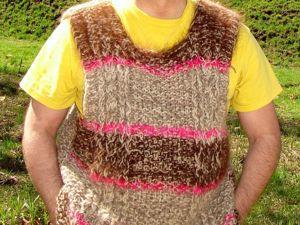 В продажу поступила супертеплая  безрукавка вязанная «ПОПУГАЙ» из собачьей шерсти. Ярмарка Мастеров - ручная работа, handmade.