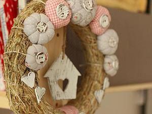 Decorating a Fresh Spring DIY Wreath. Livemaster - handmade