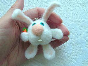 Создаем брелок «Заюшка». Ярмарка Мастеров - ручная работа, handmade.