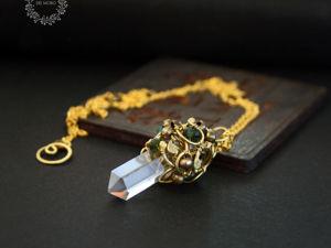 В детстве у меня был маленький кулон с кристаллом. Ярмарка Мастеров - ручная работа, handmade.