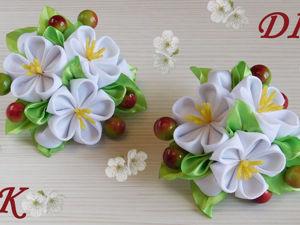 Видео мастер-класс: создаем резиночки с цветами вишни из репсовых и атласных лент. Ярмарка Мастеров - ручная работа, handmade.