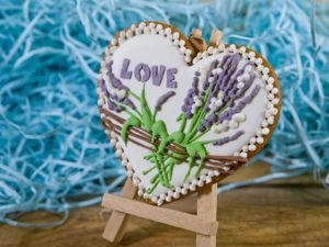 Сладкий сувенир к свадьбе — Пряничные сердечки с росписью «Прованс». Ярмарка Мастеров - ручная работа, handmade.