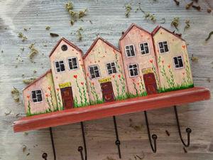 Очаровательная вешалка в прихожую. Рисуем милые домики в стиле Naive Art. Ярмарка Мастеров - ручная работа, handmade.