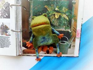 Перчаточная игрушка-лягушка на детскую ручку. Ярмарка Мастеров - ручная работа, handmade.