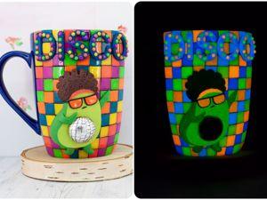 Создаем кружку со светящимся в темноте декором  «Disco Авокадик». Ярмарка Мастеров - ручная работа, handmade.