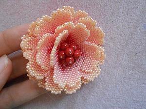 Как украсить серединку цветка бусинками. Ярмарка Мастеров - ручная работа, handmade.