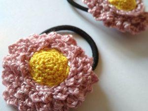 Вяжем крючком украшения-резиночки для волос Маргаритки. Ярмарка Мастеров - ручная работа, handmade.