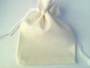 В наличии холщовые мешочки молочного цвета, два размера. Ярмарка Мастеров - ручная работа, handmade.