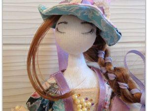Делаем пару шляп и цветочную корзинку для кукол. Ярмарка Мастеров - ручная работа, handmade.