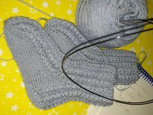 Вяжем красивые и простые носочки спицами. Ярмарка Мастеров - ручная работа, handmade.