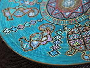 Интерьерная тарелка в этническом стиле. Точечная роспись. Ярмарка Мастеров - ручная работа, handmade.