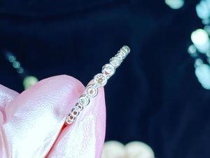 Кольцо с белом золоте с драгоценными камнями. Ярмарка Мастеров - ручная работа, handmade.