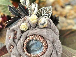 10 очаровательных брошей из мешковины, которые украсят ваши наряды. Ярмарка Мастеров - ручная работа, handmade.