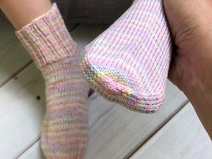 Хлопковые носочки. Выводы по пряже. Новое закрытие мыска. Ярмарка Мастеров - ручная работа, handmade.