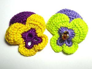 Вяжем крючком цветок «Анютины глазки». Ярмарка Мастеров - ручная работа, handmade.