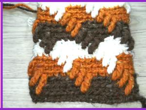 Вяжем трехцветный узор крючком из толстой пряжи. Ярмарка Мастеров - ручная работа, handmade.