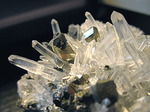 Камень кварц: свойства и интересные факты