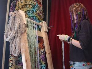 Вертикальный ткацкий станок — это любовь :). Ярмарка Мастеров - ручная работа, handmade.