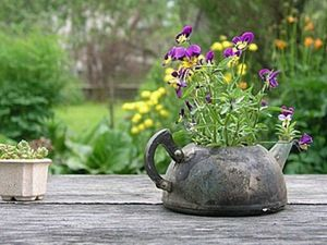 New Life of Old Things: 40 Simple Ideas to Make Your Garden an Art Project. Livemaster - handmade