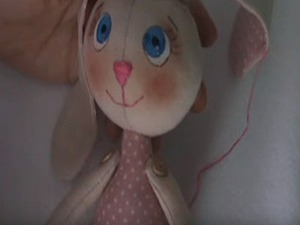 Видео мастер-класс: как сшить текстильного зайчика. Часть 1. Ярмарка Мастеров - ручная работа, handmade.