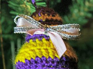 Вяжем елочную игрушку «Рождественский колокольчик». Ярмарка Мастеров - ручная работа, handmade.