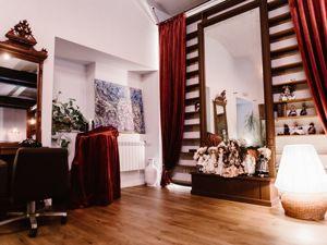 Антикварная мебель в интерьере косметологического центра. Ярмарка Мастеров - ручная работа, handmade.