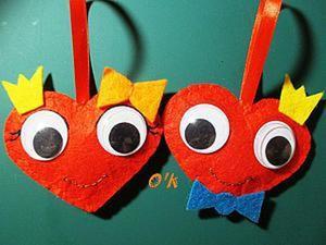 """""""Счастливы вместе!"""" Делаем забавную подвеску в виде сердечка из фетра. Ярмарка Мастеров - ручная работа, handmade."""