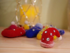 Новогодние игрушки из войлока своими руками. Ярмарка Мастеров - ручная работа, handmade.
