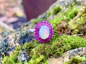 Серебряное кольцо с опалом и рубинами. Ярмарка Мастеров - ручная работа, handmade.